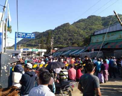 Pobladores anuncian bloqueo en frontera con México