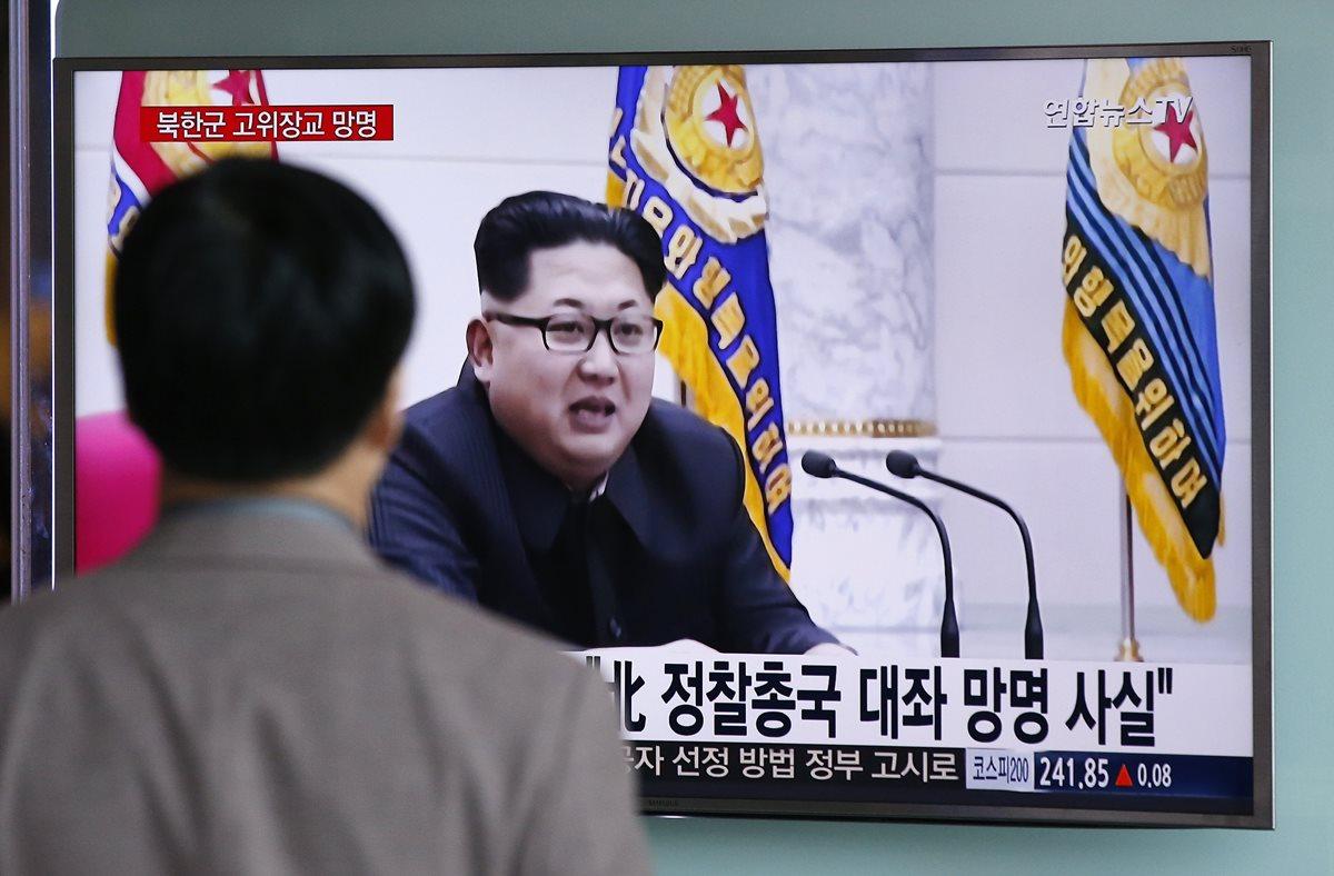 El régimen de Kim Jong-un llevó a cabo el pasado mes de marzo numerosos lanzamientos al mar de proyectiles de corto alcance. (Foto Prensa Libre: AP).