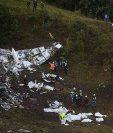 El accidente aéreo en el que fallecieron 71 personas, enre ellos futbolistas del Chapecoense, será investigado por una comisión de fiscales. (Foto Prensa Libre: AFP).