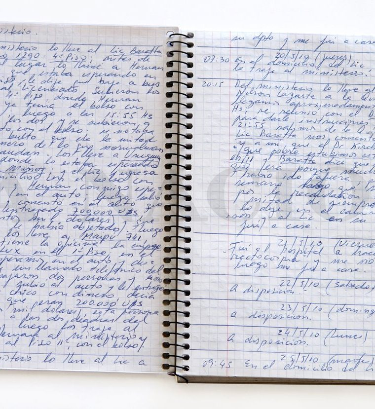 """Los """"cuadernos de la corrupción"""", un caso judicial de sobornos por millones de dólares, conmociona a Argentina.(AFP)"""