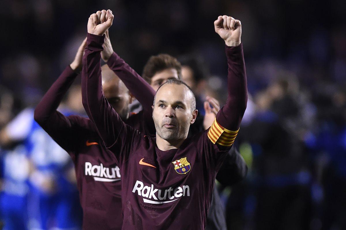 Andrés Iniesta se despidió del Barcelona ganando La Liga y la Copa del Rey. (Foto Prensa Libre: AFP)