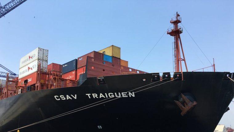 El buque es el más grande que ha llegado al país, con capacidad de más de seis mil contenedores. (Foto Prensa Libre: Cortesía)