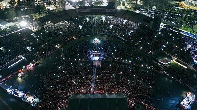 """Ricardo Arjona se presentó ante más de 25 mil dominicanos que asistieron a la gira """"Circo Soledad"""". (Foto Prensa Libre: Fecebook)"""