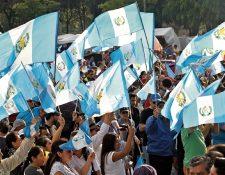 Guatemala ha vivido una crisis política en la última semana, debido a la decisión del presidente Jimmy Morales de retirar al jefe de la Cicig, mientras que el Ministerio Público gestiona un antejuicio en contra del mandatario por financiamiento ilícito. (Foto Prensa Libre: Erick Ávila)