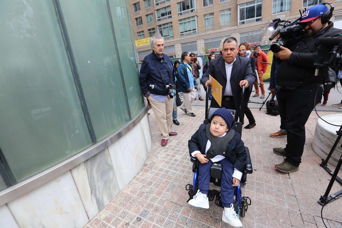 El guatemalteco Noel López llegó a los EE.UU. en 1991 de forma ilegal y formó una familia en Nueva York. (Foto Prensa Libre: El Diario de Nueva York)
