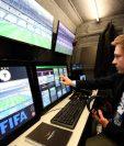 La tecnología llega al futbol, con la implementación del videoarbitraje. (Foto Prensa Libre: Twitter Sphera Sports)