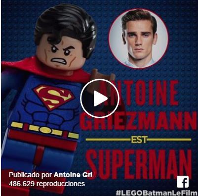 Antoine Griezmann disfruta de ser Superman