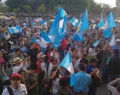 #21A   Guatemaltecos exigen renuncia del presidente Jimmy Morales