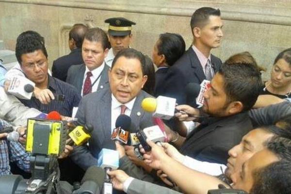 """El ministro de Gobernación dio declaraciones sobre los supuestos narcos capturados en los últimos días. (Foto Prensa Libre: MINGOB)<br _mce_bogus=""""1""""/>"""