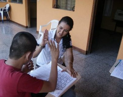Educación emite reglamento de la ley que reconoce y aprueba la lengua de señas en el sistema educativo nacional