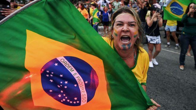 Brasil llega a esta elección en un clima de confusión y hastío con su élite política. AFP