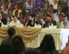 Personalidades de Derechos Humanos hablan del rol de los defensores en la lucha contra la impunidad. (Foto Prensa Libre: Edwin Bercián)