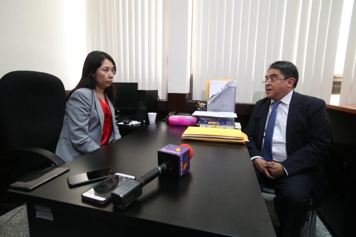 La jueza Erika Aifán acudió a la PDH por considerar que se podría estar violentando su independencia judicial. (Foto Prensa Libre: Paulo Raquec) )