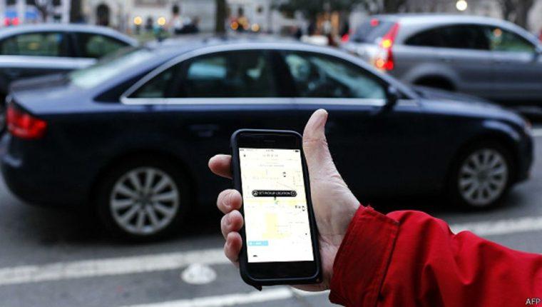 La plataforma Uber opera por medio de una aplicación móvil. (Foto, Prensa Libre: Hemeroteca PL).