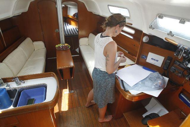 El barco que ofrece practicar abortos tiene equipo médico para efectuar los procedimientos. (Foto Prensa Libre: Paulo Raquec)