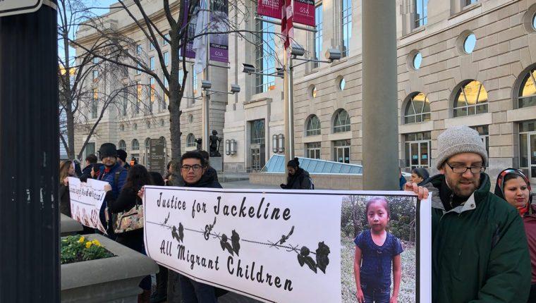 En Estados Unidos la muerte de Jakelin Caal causó indignación y varios ciudadanos protestaron por las políticas antimigrantes que implementa el gobierno. (Foto Prensa Libre: Hemeroteca PL)
