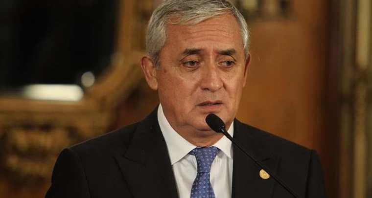 Otto Pérez Molina, el lunes último, en la conferencia de Prensa donde aún se defendió de los señalamientos de la CICIG y MP. (Foto Prensa Libre: Hemeroteca PL)