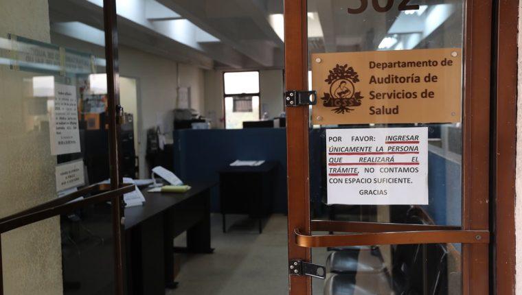 El departamento de Auditoría Médica del IGSS se ubica en el quinto nivel del edificio Torre Café. (Foto Prensa Libre: Érick Ávila)