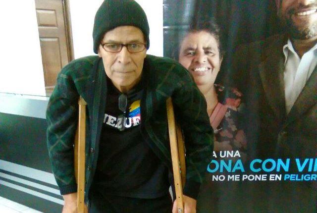 Vidal Gutiérrez lleva dos meses sin recibir medicamento para tratar un cáncer pulmonar. (Foto Prensa Libre: Cortesía)
