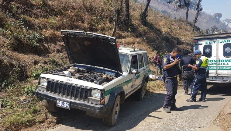 Tres bomberos fueron víctimas de asalto al haber recibido falsa alarma. (Foto Prensa Libre: Cortesía Bomberos Municipales Departamentales)