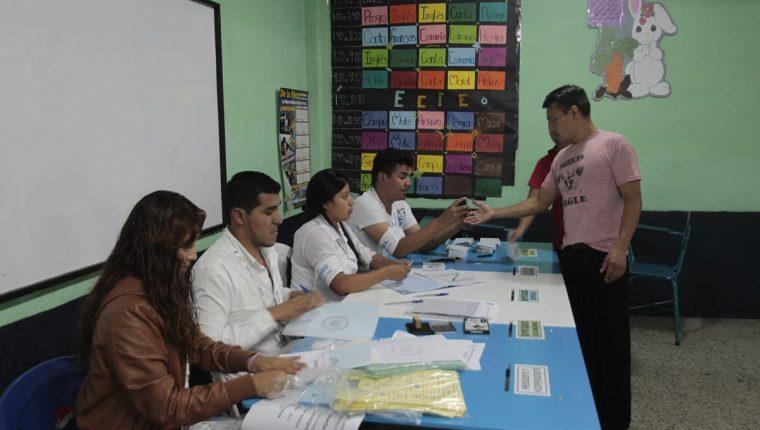 Partidos políticos se preparan para convencer a los electores. (Foto Prensa Libre: Hemeroteca PL)