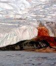 La razón del color de las Cascadas de Sangre era un enigma para los científicos. WIKIPEDIA