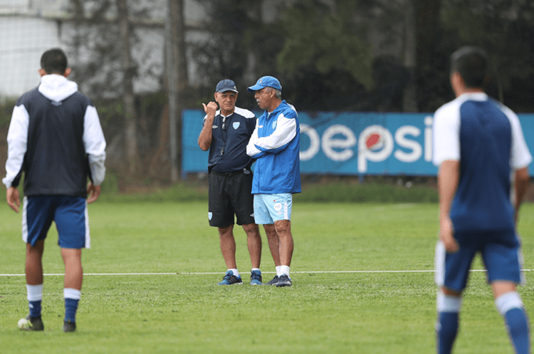 La Bicolor ha disputado cuatro partidos en su nueva era con Wálter Claverí. El saldo ha sido 1 victoria, 1 empate y dos derrotas. (Foto Prensa Libre: Hemeroteca PL)