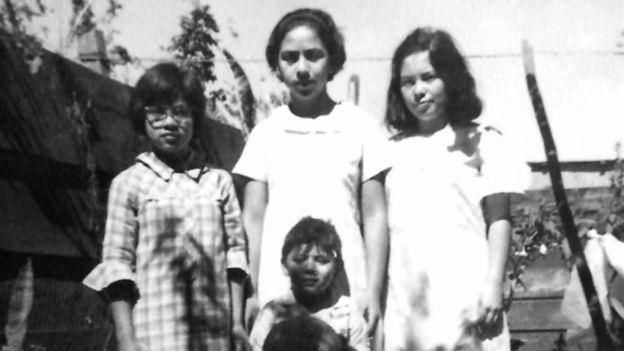 Emma, a la izquierda de la imagen junto a sus hermanos María Eugenia, Lucrecia y Marco Antonio, tenía 20 años en el momento en que fue detenida. (Foto: familia Molina Theissen)