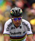 Peter Sagan ingresa en primer lugar a la meta en la segunda etapa del Tour. (Foto Prensa Libre: AFP)