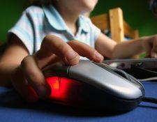 Los guatemaltecos perdieron el miedo a comprar vía internet y ahora el comercio electrónico florece. (Foto Prensa Libre: Hemeroteca PL)