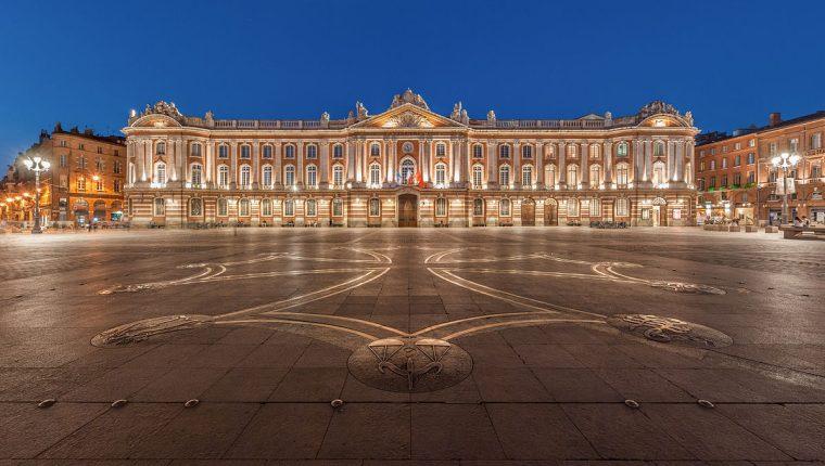 Ayuntamiento de Toulouse, Francia, donde autoridades se opusieron a que una pareja registrara a su hijo con el nombre Jihad. (Foto Prensa Libre: Internet)