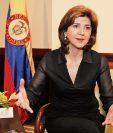 La canciller de Colombia, María Ángela Holguín, acompaña la delegación del presidente Juan Manuel Santos, y se reunirá con varios sectores políticos y económicos.