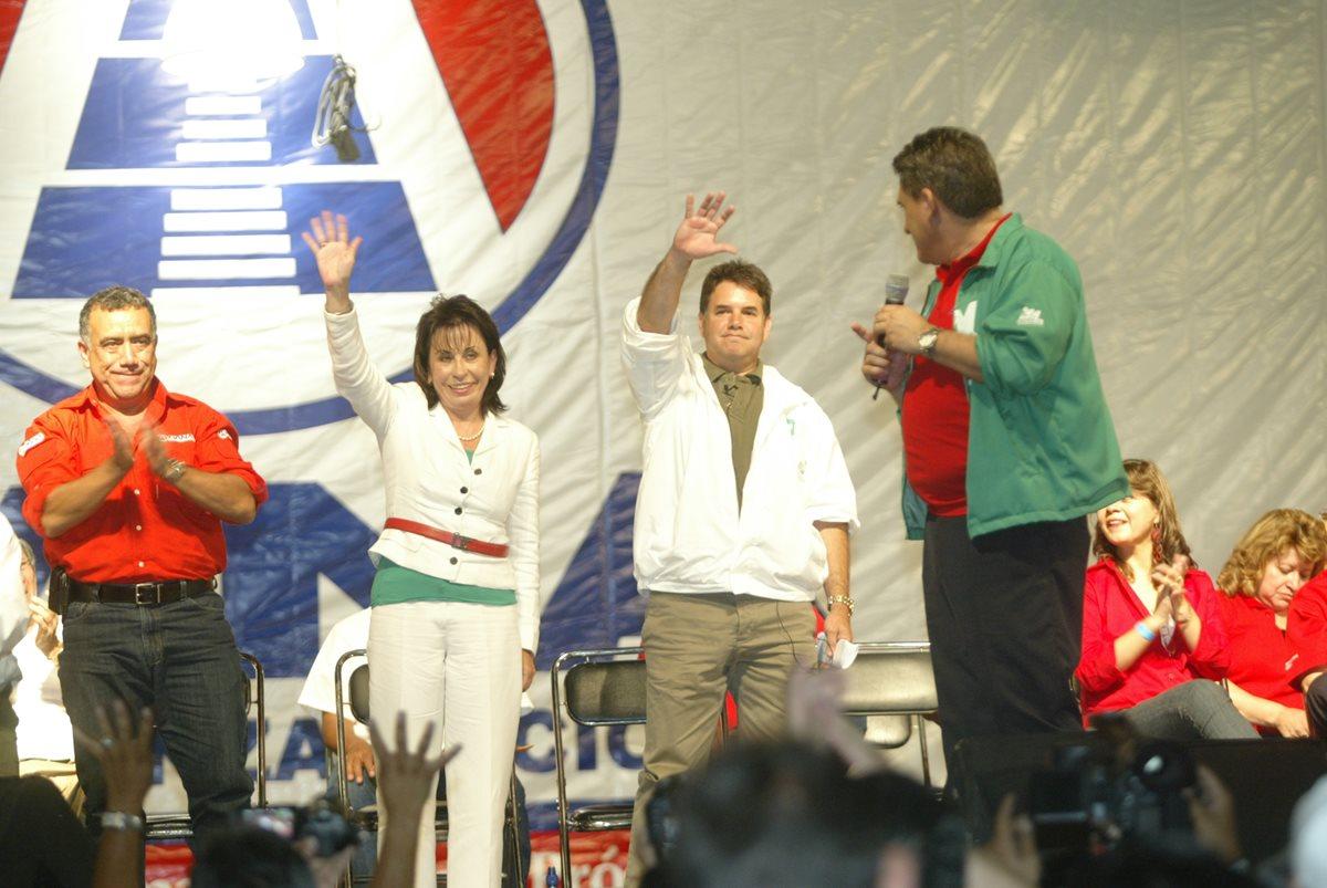 La Gran Alianza Nacional participó en coalición con la Unidad Nacional de la Esperanza en el 2011 para postular a Sandra Torres. (Foto Prensa Libre: Hemeroteca PL)