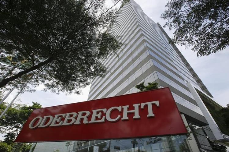 La brasileña Odebrecht aceptó los cargos y pagará a tres países por borrar las acusaciones. (Foto Prensa Libre: EFE)