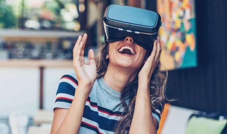 La realidad virtual nos sumerge en un mundo que no existe. PETAR CHERNAEV/GETTY IMAGES