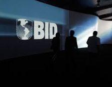 La asambela de gobernadores del BID reeligio a Alberto Moreno como presidente de la entidad. (Hemeroteca PL)