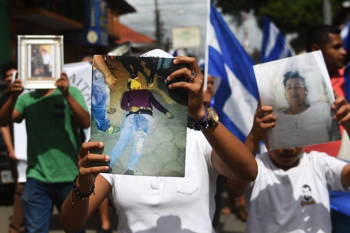Pobladores de Masaya recuerdan a héroes caídos en revueltas antigubernamentales en Nicaragua. (AFP).