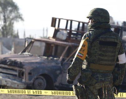Comando armado rescata a capturados en México