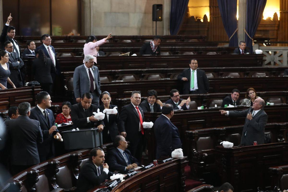 Diputados intercambian señalamientos por prohibición transfuguismo