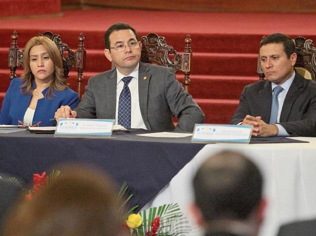 Autoridades presentaron estrategia de retorno de migrantes en el Palacio Nacional de la Cultura. (Foto Prensa Libre: Álvaro Interiano)