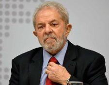 El juez ordena la entrada en prisión hasta mañana del expresidente Luiz Inácio Lula da Silva por una condena de corrupción. (Foto Prensa Libre:AFP).