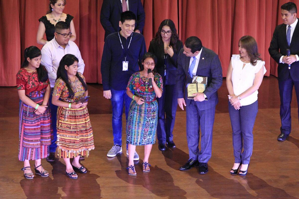 Presidente Jimmy Morales insta a la rebeldía juvenil
