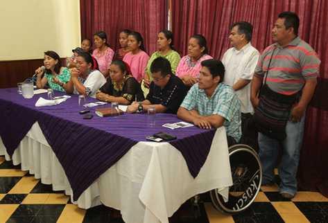 Defensores de derechos humanos dan a conocer que la justicia canadiense hará justicia ante hechos violentos ocurridos en Guatemala (Foto Prensa Libre: ERICK ÁVILA).