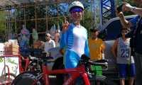 Gabriela Soto saluda luego de ganar la medalla de oro en Managua. (Foto Prensa Libre: Carlos Vicente)