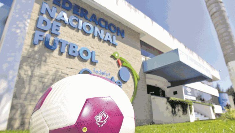 El futuro del futbol guatemalteco está en manos de CDAG. (Foto Prensa Libre: Hemeroteca PL)