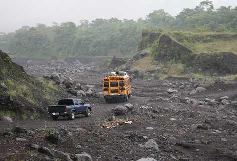 La falta de caminos para conectar a las comunidades es una de las principales necesidades que los poblaciones del área rural enfrentan. (Foto Prensa Libre: Hemeroteca PL)