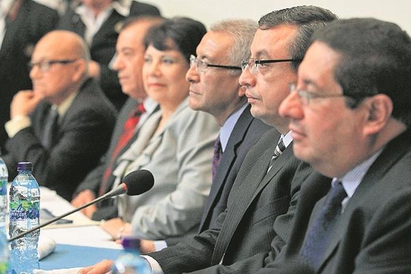 Diputados dieron ocho días al ministerio de Finanzas para trasladar fondos al TSE. (Foto Prensa libre: Edwin Bercián)