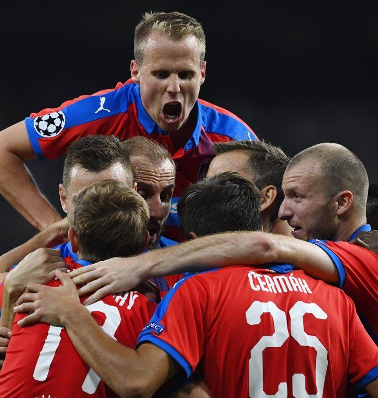 El equipo checo no fue un rival fácil para el Real Madrid. (Foto Prensa Libre: AFP)