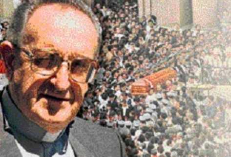 Miles de personas acudieron al sepelio de monseñor Juan Gerardi Conedera, cuya muerte causó gran repudio.