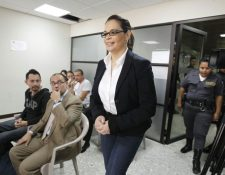 Roxana Baldetti ingresa al Juzgado de Mayor Riesgo C, sin abogado defensor que la represente en el caso Lago de Amatitlán. (Foto Prensa Libre: Paulo Raquec)
